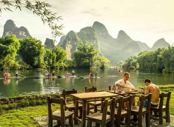 yangshuo-mountain-retreat-riverside-dining-yulong-river-yangshuo-restaurants.