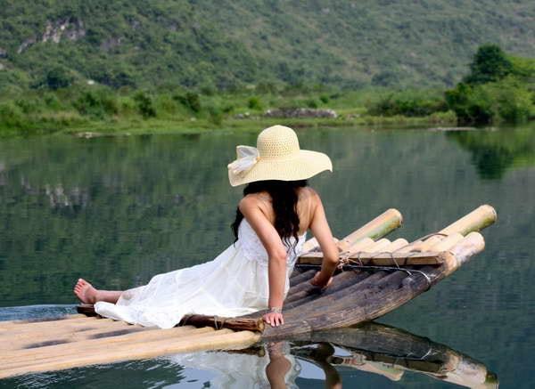 Yangshuo Mountain Retreat bamboo rafting Yulong River Yangshuo